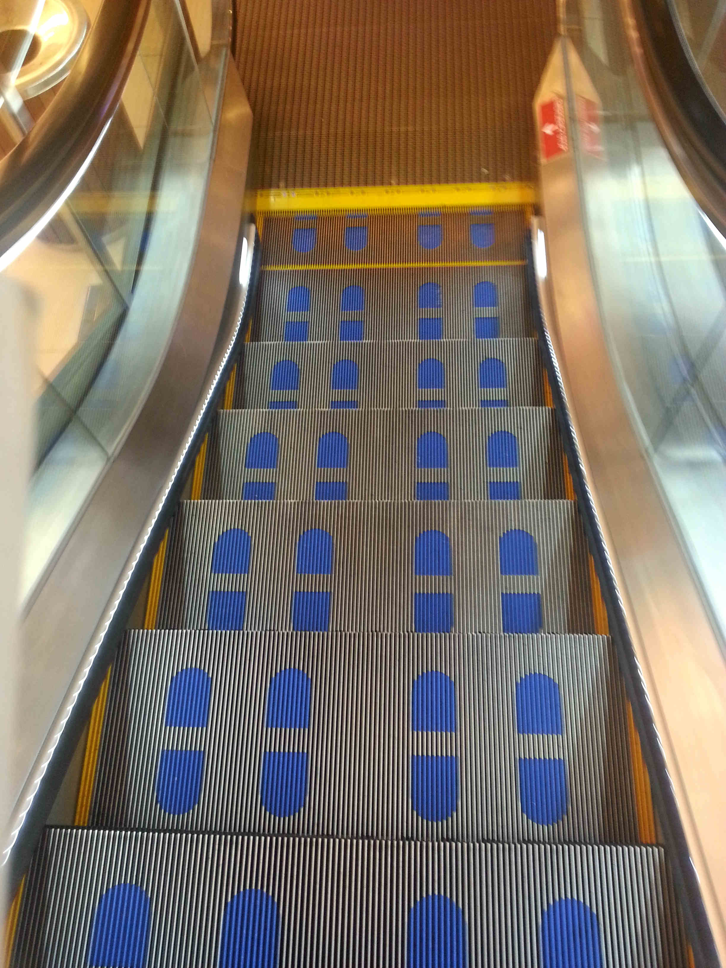 Safe Escalator Features In Place Welcome To Singapore